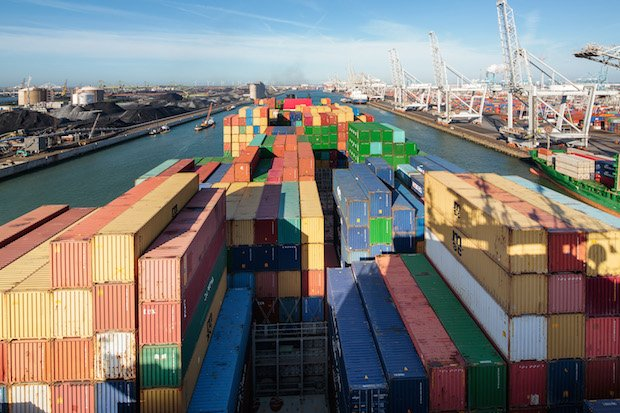 Port of Rotterdam2 CREDIT REQUIRED TO 'Freek van Arkel'.jpg