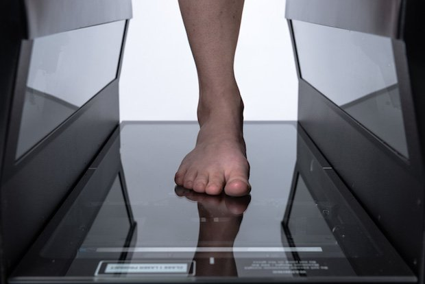 FitStation foot scanner powered by HP