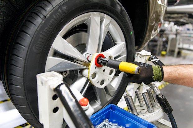 VW Autoeuropa wheel protection jig