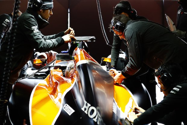 McLaren F1 team.jpg