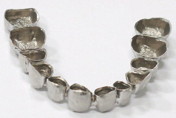 Metal crown printed by Sinterex.jpg