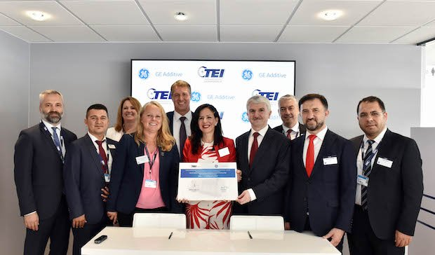 GE Additive and TEI signing ceremony at Paris Air Show 2019.