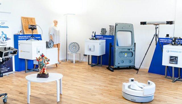 Shining 3D office.jpg