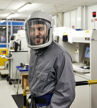Image 4_ Baker Hughes Additive Lab People (1).jpg
