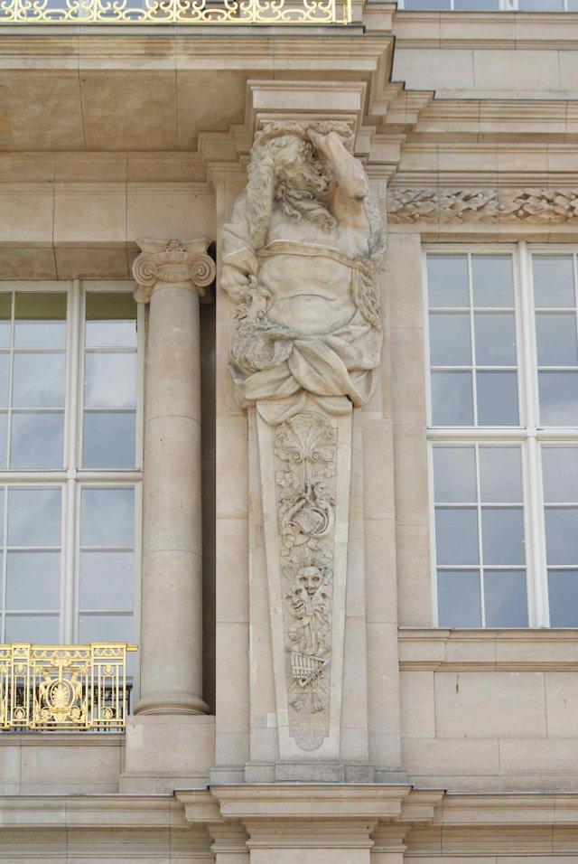 2. Liebknecht portal
