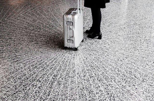 AECTUAL_Flooring_Schiphol_01.jpg