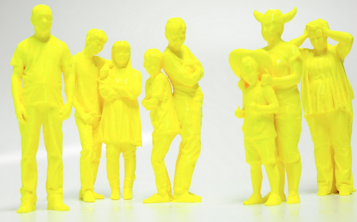 D Printing Exhibition London : Stratasys made d printed models of visitors to form major