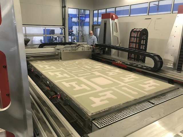 Picture 2_voxeljet TEI_Build space of the VX4000 during the printing process.jpg
