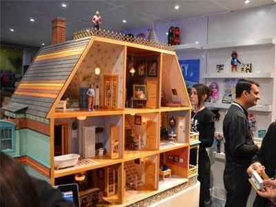 Digital Dollhouse