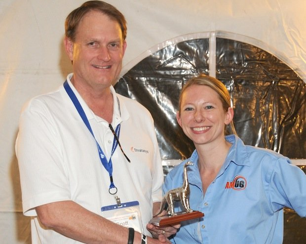 Scott Crump receives AMUG DINO award