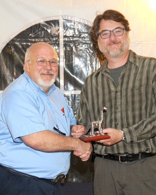 Stewart Davis receives AMUG DINO award