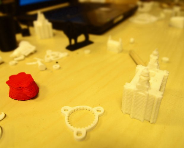 3D prints a-go-go at the maker night