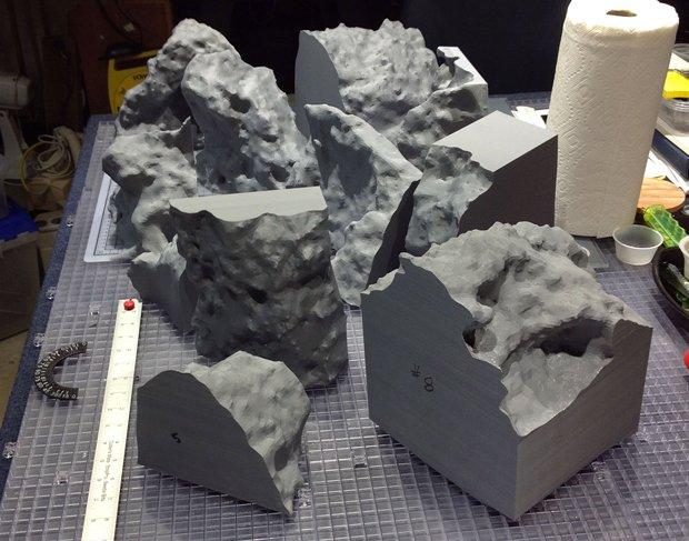 Meteorite-in-pieces.jpg