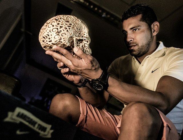Andre Santos wonders who has the guts to win the trophy?