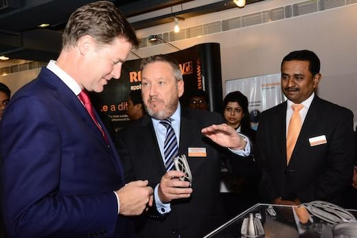 Rhydian_Pountney_explains_3DP_to_Nick_Clegg.jpg