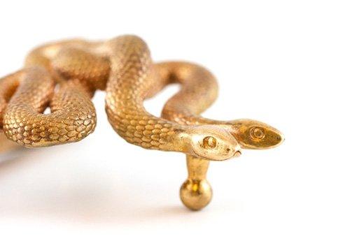 Serpents-Buckle-by-Michael-Mueller-old-bronze-vs-new-bronze.jpg