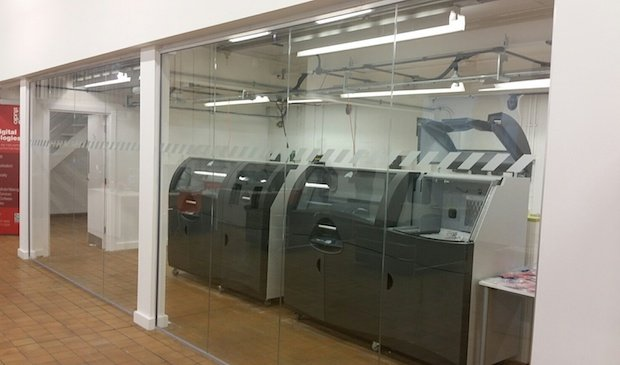 Inside hobs 3d printing bureau at digital innovation mmu for Bureau gallery manchester
