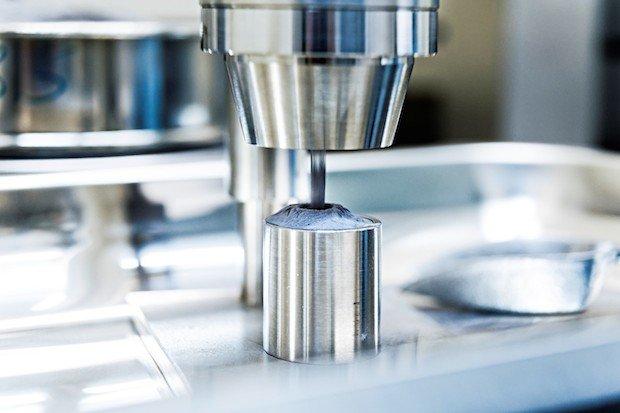 C 1 High-strength aluminium powder for high-tech components.jpg