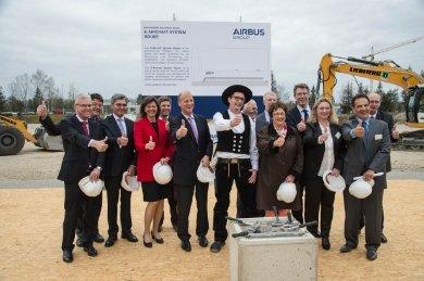 Grundsteinlegung Airbus Group Systemhaus elektrisches Fliegen.2016-04-07-14-19-04.jpg