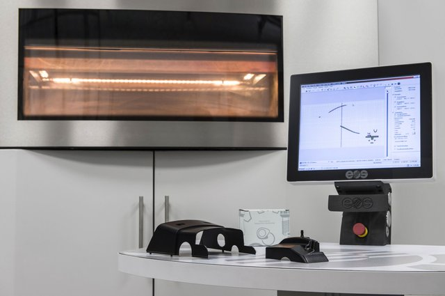 Mercedes-Benz trucks 3D printing spare parts on EOS