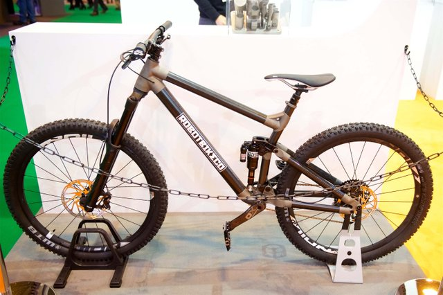Robot Bike Co's bespoke bike frame made with Rensiahw metal 3D printing.jpg