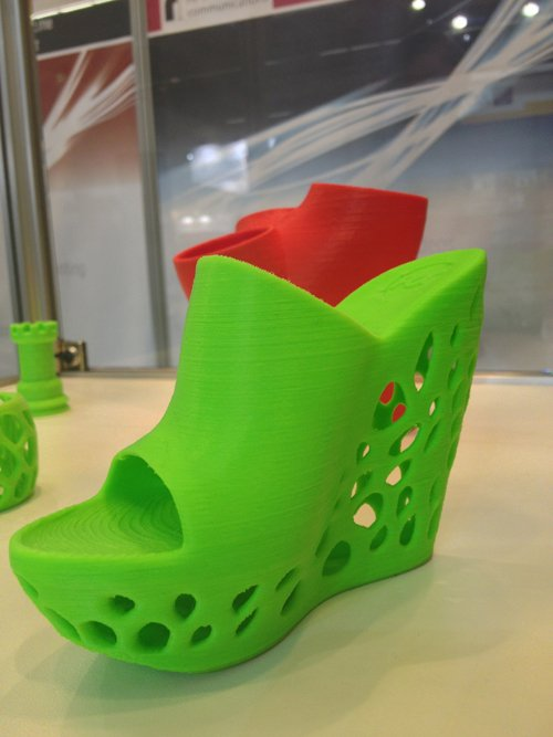 Our Cube prints on the TCT + Personalize's Euromold stand