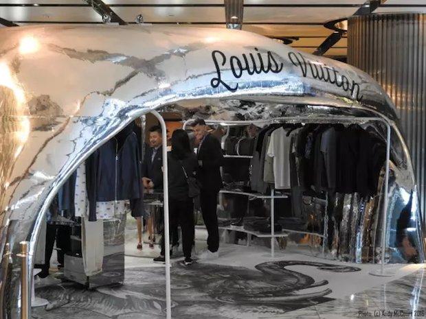 Louiss Vuitton pop up store