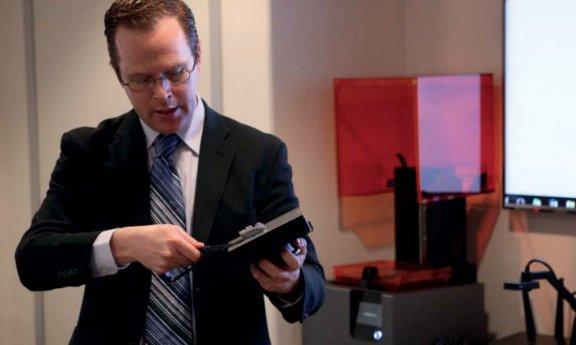 Dr. Michael Scherer delivers his 3D printing in dentistry workshop