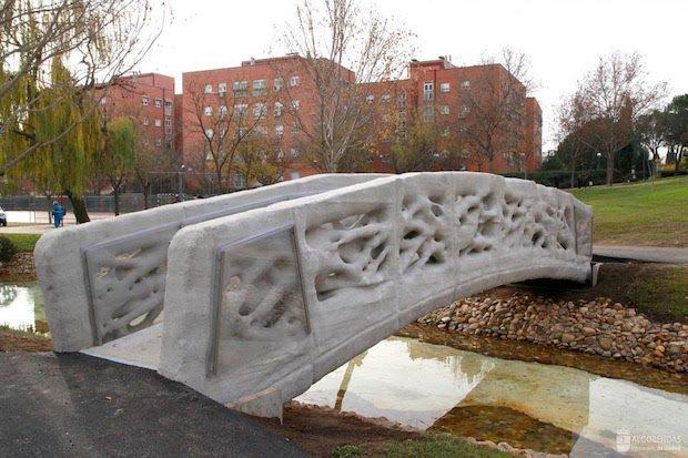 Spanish 3D-printed bridge