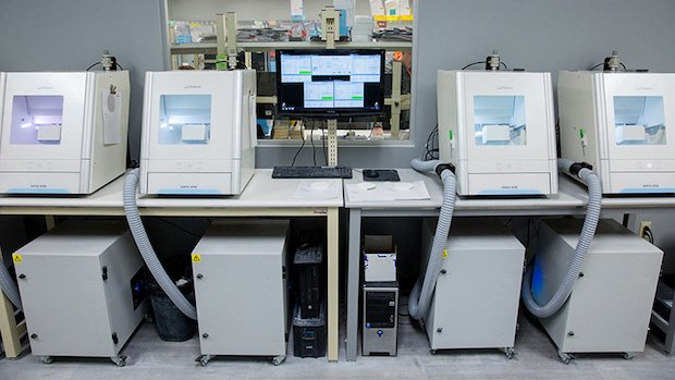 Roland DG 3D milling machine dental