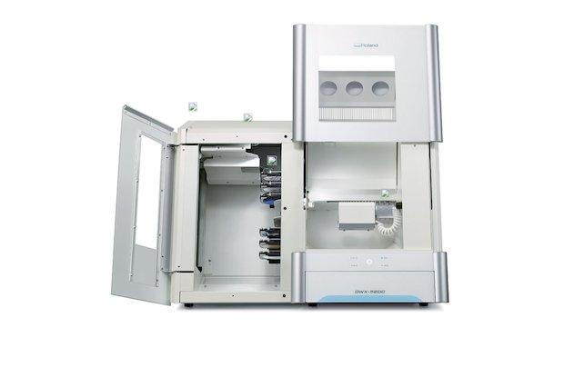Roland DG DWX-52DC dental mill