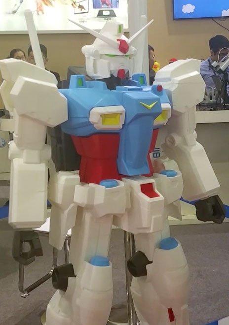 3D Printed Gundam Robot at TCT Asia